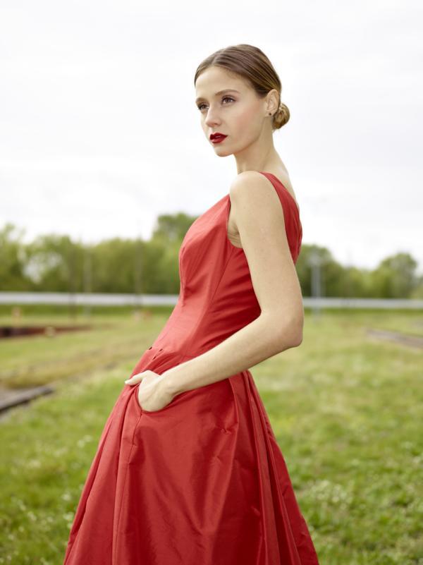 Abendkleid Ballkleid Abendrobe rot lang Seidentaft Falten MDModedesign
